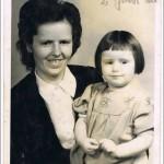 1946 mit meiner Mama