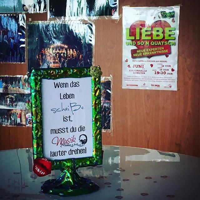 Bald gehts lohos *hibbel* #konzert #confuegodieburg #liebeundsonquatsch #64839 #kulturhalle #kommtalle